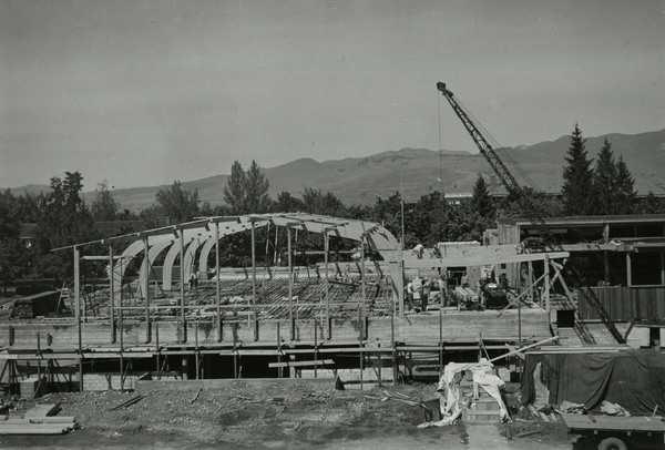 Construction of the Lodge arches.