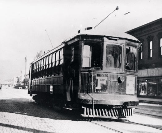 Streetcar in front of Missoula Mercantile Co.