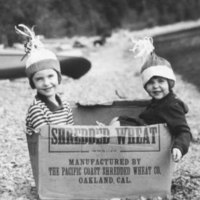 Children in box, Mss 656.jpg